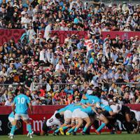 【フィジー-ウルグアイ】前半、フィジー代表とウルグアイ代表の試合を観戦する大勢の観客たち=岩手・釜石鵜住居復興スタジアムで2019年9月25日、喜屋武真之介撮影