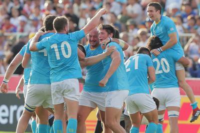 【フィジー―ウルグアイ】フィジーに勝ち、喜ぶウルグアイの選手たち=岩手・釜石鵜住居復興スタジアムで2019年9月25日、和田大典撮影