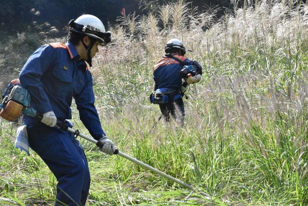山梨女児不明 消防団捜索打ち切り ボランティア男性は無事 - 毎日新聞