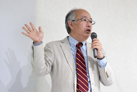 危機に陥る介護の現状を訴える小野沢医師=竹内紀臣撮影