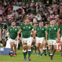 【日本―アイルランド】逆転で日本に敗れ、肩を落とすアイルランドの選手たち=静岡スタジアムで2019年9月28日、藤井達也撮影