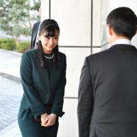 全国高校生手話パフォーマンス甲子園の会場に到着された秋篠宮家の次女佳子さま=鳥取市で2019年9月29日午前9時5分、望月亮一撮影