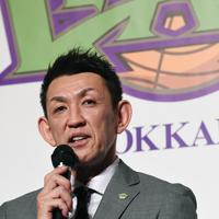 引退会見で思いを語る「レバンガ北海道」の折茂武彦選手=札幌市中央区で2019年10月1日、竹内幹撮影