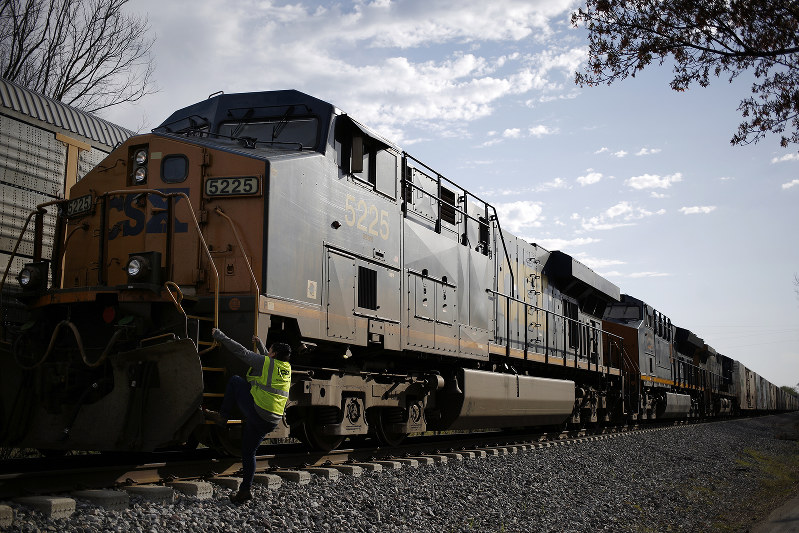 CSXの貨物列車 Bloomberg