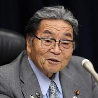 インタビューに答える北村誠吾・地方創生担当相=吉田航太撮影