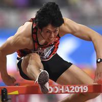 男子110メートル障害準決勝、3組6着の高山峻野=カタール・ドーハで2019年10月2日、久保玲撮影