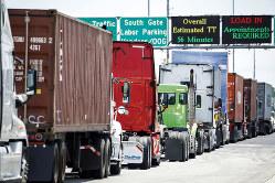 自動運転化に注目が集まる米国の物流(Bloomberg)