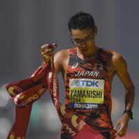 男子20キロ競歩、1位でフィニッシュした山西利和=カタール・ドーハで2019年10月5日、久保玲撮影