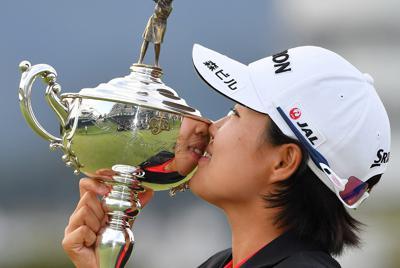 日本女子オープンで優勝した畑岡奈紗=三重県津市の白山ヴィレッジゴルフコースで2019年10月6日、大西岳彦撮影