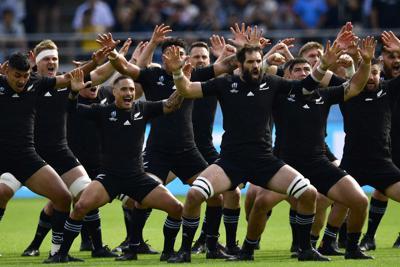 【ニュージーランド-ナミビア】試合前、ハカで士気を高めるニュージーランドの選手たち=東京・味の素スタジアムで2019年10月6日、藤井達也撮影