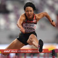 女子100障害予選、1組5着となった寺田明日香=カタール・ドーハで2019年10月5日、久保玲撮影