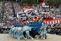 A float shaped like a Dutch ship that traveled between the Netherlands and Nagasaki during the Edo period, is seen during the Nagasaki Kunchi festival at Suwa Shrine in Nagasaki, on Oct. 7, 2019. (Mainichi/Minoru Kanazawa)
