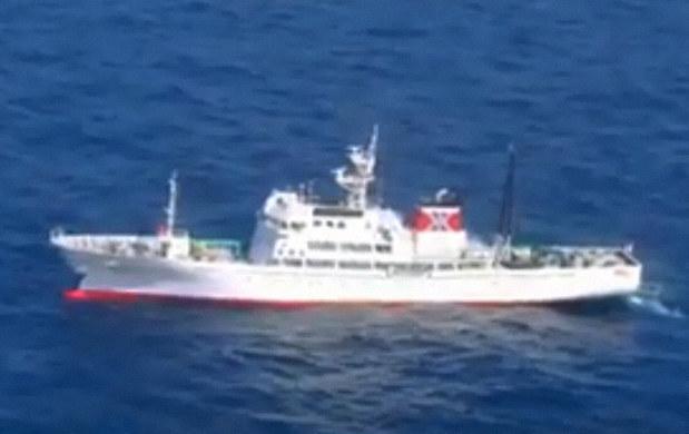 水産庁取り締まり船と北朝鮮漁船...