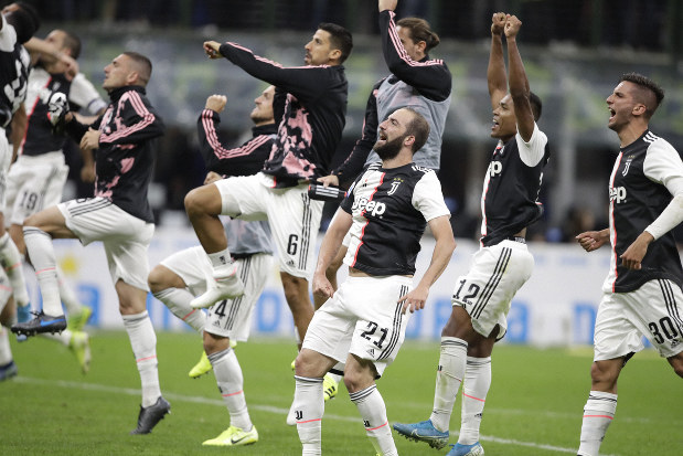Serie A Juventus Wins 2 1 To End Inter S Perfect Start The Mainichi
