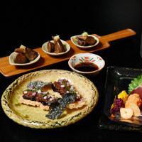 (手前右から反時計回りに)カツオのたたき、カツ、肝のショウガ煮、たたきフィンガーフードスタイル=大阪市阿倍野区で2019年9月13日、木葉健二撮影