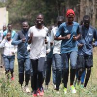 東京五輪出場を目指す南スーダン出身の難民選手ら=ナイロビ郊外で2019年7月28日午後0時1分、小泉大士撮影