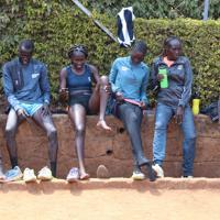 東京五輪出場を目指す南スーダン出身の難民選手ら=ナイロビ郊外で2019年7月27日午前11時6分、小泉大士撮影