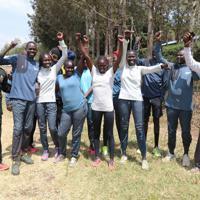 東京五輪出場を目指す南スーダン出身の難民選手ら=ナイロビ郊外で2019年7月28日午前11時56分、小泉大士撮影