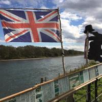 岩手県花巻市のイギリス海岸 =ダミアン・フラナガン撮影