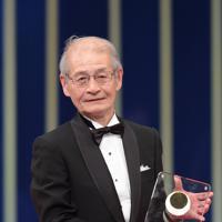 ノーベル化学賞の受賞が決まった吉野彰氏。2018年に日本国際賞を受賞した=国際科学技術財団提供