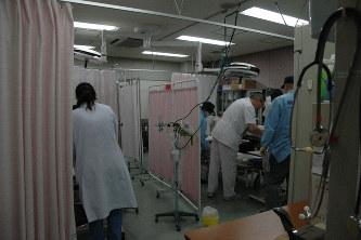 救急患者を診療する医療スタッフ