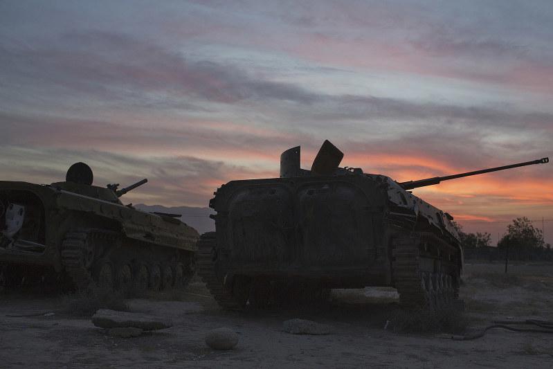 軍事は最終手段(Bloomberg)