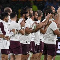 【オーストラリア-ジョージア】試合終了後、観客に感謝を示すオーストラリアの選手たち=静岡スタジアムで2019年10月11日、竹内紀臣撮影