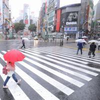 首都圏の鉄道各社が運休となり、閑散とする渋谷の街=東京都渋谷区で2019年10月12日午前9時12分、宮武祐希撮影