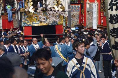 西行桜狸山(鍛冶屋町)=大津市内で2019年10月13日午後1時45分、諸隈美紗稀撮影