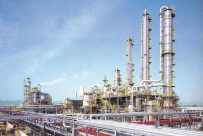 メタノールを原料に酢酸を製造している、ダイセル姫路製造所網干工場(兵庫県)のプラント=同社提供