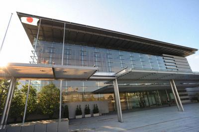 2002年に完成した現在の首相官邸=東京都千代田区永田町で2008年11月、北村隆夫撮影