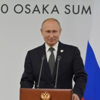6月に大阪で開かれた主要20カ国・地域(G20)首脳会議に出席したプーチン露大統領。日本国内ではプーチン氏の訪日に先立ち、平和条約交渉の進展に向けた期待が高まったが、交渉は停滞している=大阪で2019年6月29日、大前仁撮影