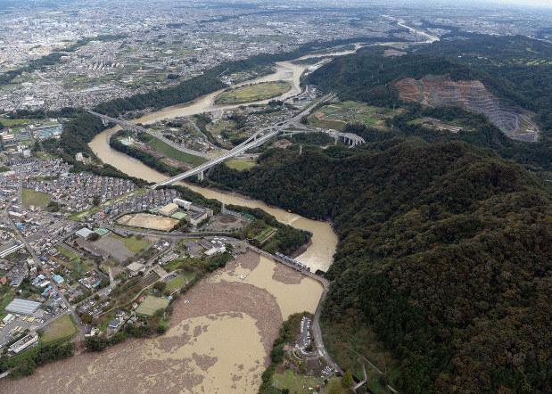 城山 ダム 放流