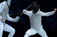 2012 London Olympics -- A Japanese fencer competes against Italy in the final of the men's fencing team foil. Japan lost the bout 39-45 and had to settle for the silver medal. (Mainichi/Masaru Nishimoto)