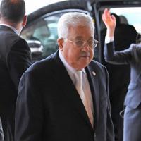 「即位礼正殿の儀」に参列するため、宮殿に入るパレスチナのアッバス大統領=皇居・宮殿南車寄で2019年10月22日午後0時33分、手塚耕一郎撮影