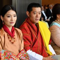 「即位礼正殿の儀」に参列したブータンのワンチュク国王夫妻=皇居・宮殿「春秋の間」で2019年10月22日午後0時52分(代表撮影)