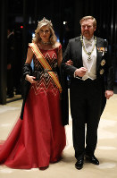 Dutch King Willem-Alexander and Queen Maxima arrive at the Imperial Palace in Tokyo to attend the Kyoen-no-gi banquet on Oct. 22, 2019. (Mainichi/Masahiro Ogawa)