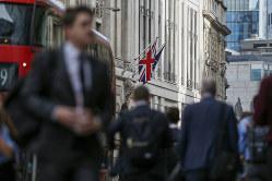 ロンドンの金融街、シティー。欧州中央銀行は合意なき離脱に準備するようシティーの銀行家たちに呼びかけている(Bloomberg)