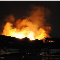 炎を上げて燃える首里城=那覇市首里汀良町で2019年10月31日午前5時10分、遠藤孝康撮影