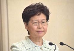 記者会見する林鄭月娥行政長官。会見では辞任を否定している=香港政府で2019年10月15日、福岡静哉撮影