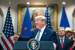 トランプは欧州も狙い撃ち(Bloomberg)