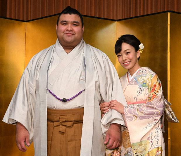 大相撲 大関・高安と歌手の杜このみさん婚約 - 毎日新聞