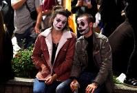 People dressed in Halloween costumes gather in Tokyo's Shibuya Ward on Oct. 31, 2019. (Mainichi/Daiki Takikawa)