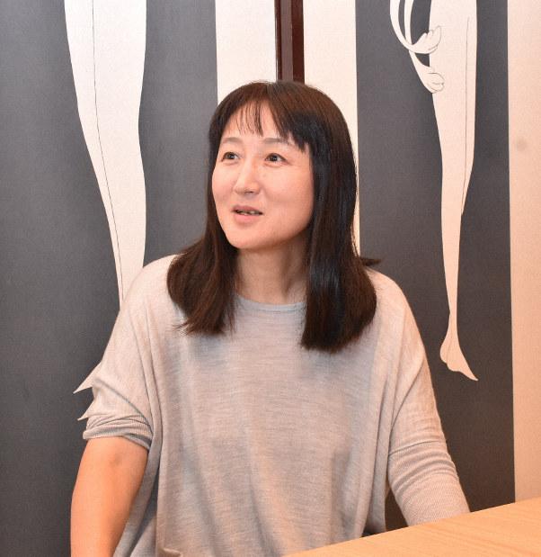 柳美里さん、大震災被災3県で演劇公演 震災前後を往還し対話 - 毎日新聞