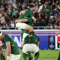 【イングランド-南アフリカ】優勝を決め喜ぶ南アフリカの選手たち=横浜・日産スタジアムで2019年11月2日、喜屋武真之介撮影