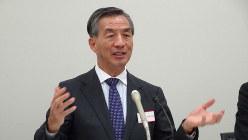 スルガ銀行への出資の狙いを説明する野島広司・ノジマ社長=東京都中央区の東京証券取引所で2019年10月31日、今沢真撮影