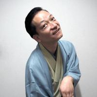 独演会で「怪談市川堤」を演じる桂佐ん吉さん=大阪市北区で、山田夢留撮影