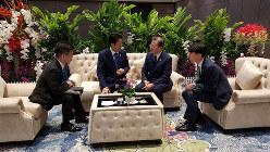 安倍首相と文大統領の10分「座った」と公表した韓国