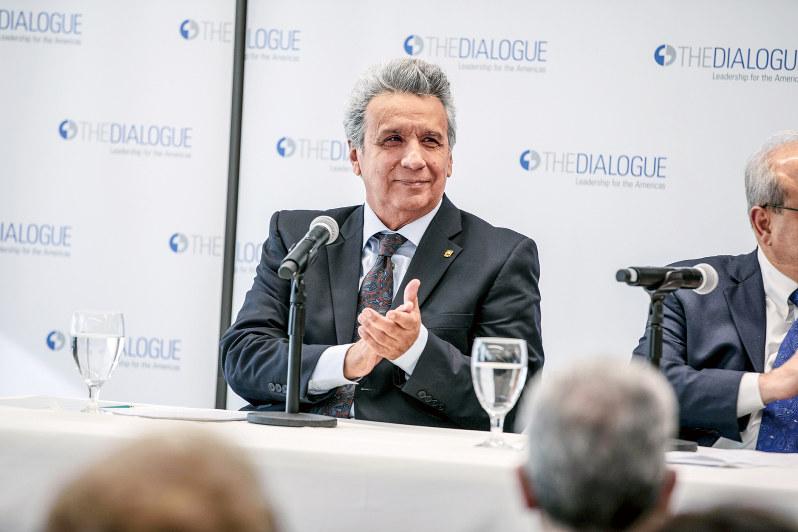 国家の再建を進めるエクアドルのモレノ大統領 経済の混乱でエクアドル政府に抗議するデモ (Bloomberg)