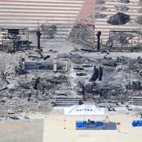 火災から1週間を迎える首里城=那覇市で2019年11月6日午後0時43分、本社機「希望」から梅村直承撮影